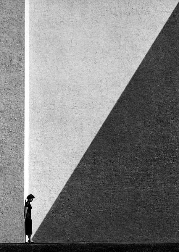 Fan Ho. Approaching shadow. 1954